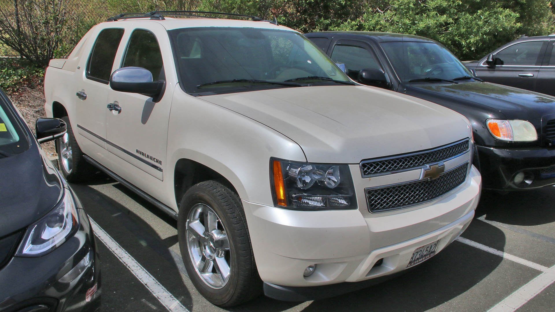 Pre-Owned 2011 Chevrolet Avalanche LTZ